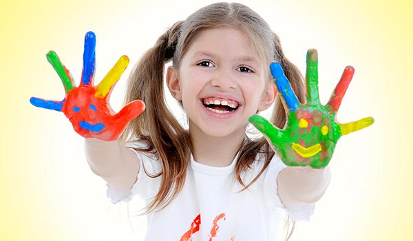 Laboratorio di acquarello o di colori a dita